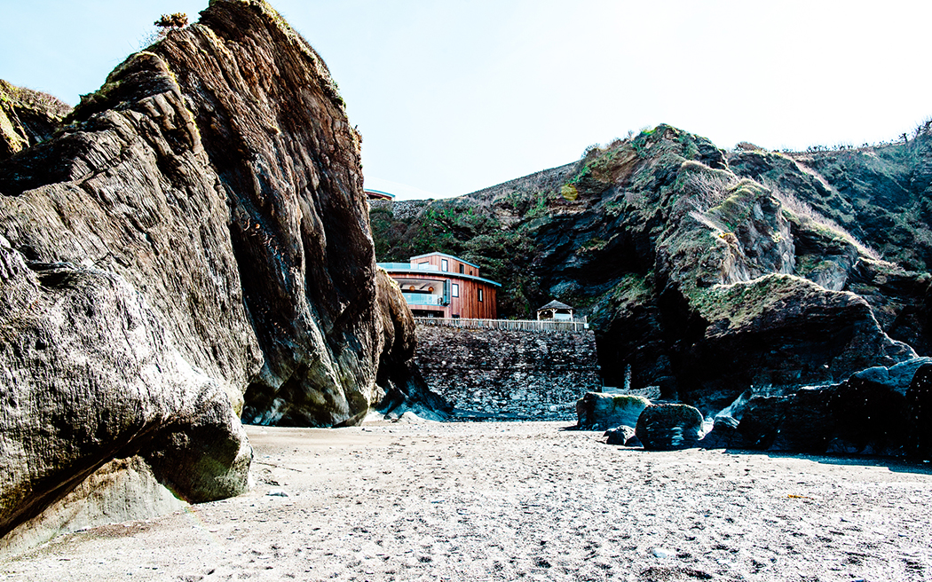 Coco wedding venues slideshow - beach-wedding-venues-in-devon-tunnels-beaches-andy-wardle-002