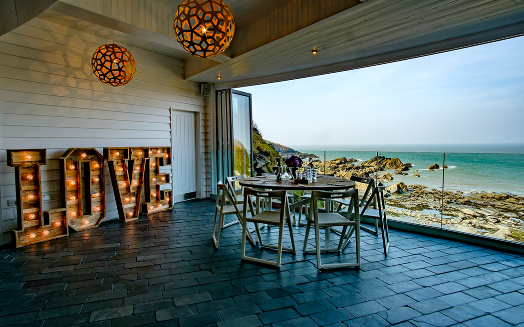 Coco wedding venues slideshow - beach-wedding-venues-in-devon-tunnels-beaches-matt-fryer-photography-003