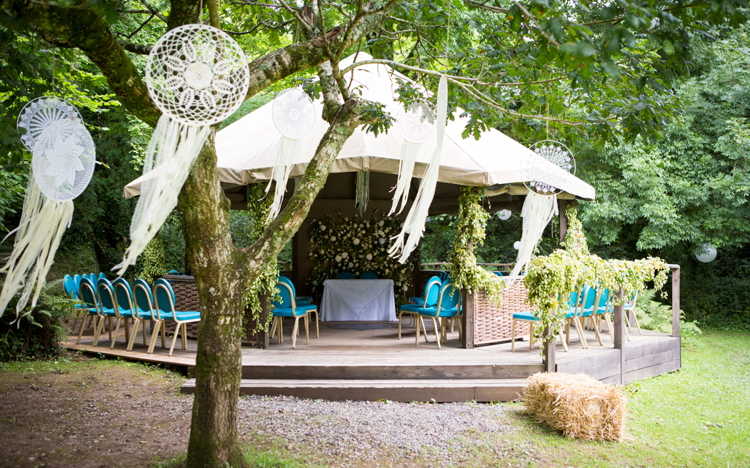 Coco wedding venues slideshow - outdoor-wedding-venues-in-cornwall-cornish-tipi-weddings-apple-B-images-002