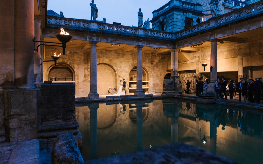 Coco wedding venues slideshow - quirky-wedding-venues-in-bath-somerset-the-roman-baths-and-pump-room-amy-sanders-photography-001
