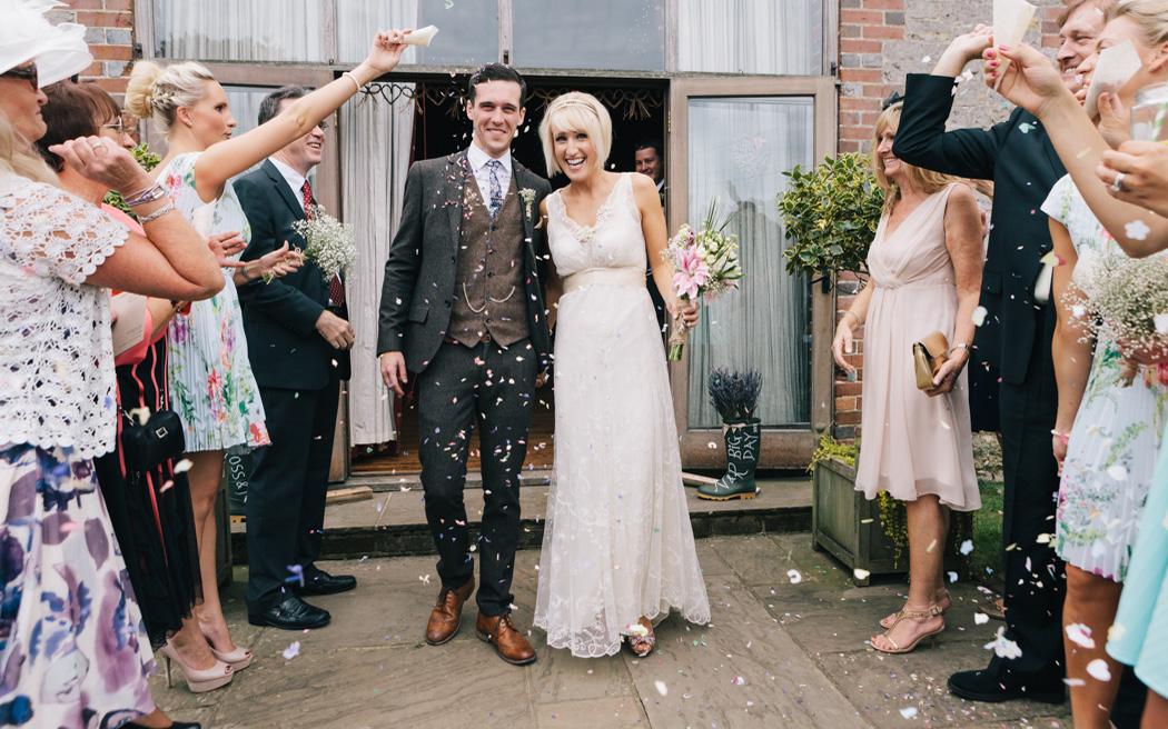 Coco wedding venues slideshow - rustic-barn-wedding-venue-bartholomew-barn-west-sussex-coco-wedding-venues-brighton-photo-001