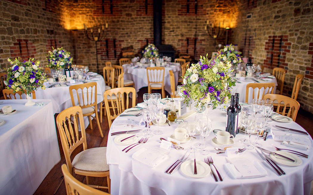 Coco wedding venues slideshow - wedding-venues-in-east-sussex-bartholomew-barn-coco-wedding-venues-photography-by-Vicki---Justin-and-Natalie-003