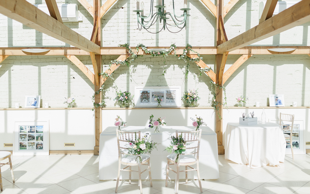 Coco wedding venues slideshow - barn-wedding-venues-in-essex-gaynes-park-ilaria-petrucci-photography-001