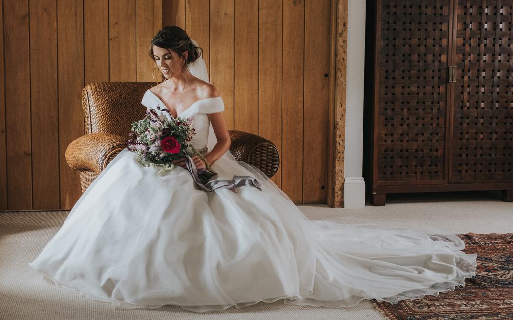 Coco wedding venues slideshow - barn-wedding-venues-in-berkshire-wasing-park-studio-rouge-005