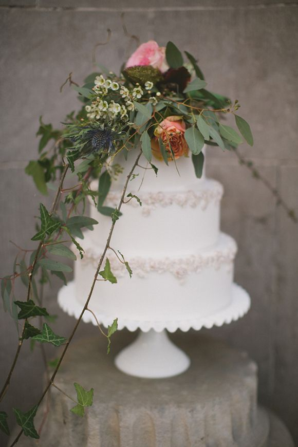 Coco wedding venues slideshow - coco-wedding-venues-10-rustic-wedding-cakes-image-by-paula-o'hara-cake-by-gift-cakes-via-magnolia-rouge-9