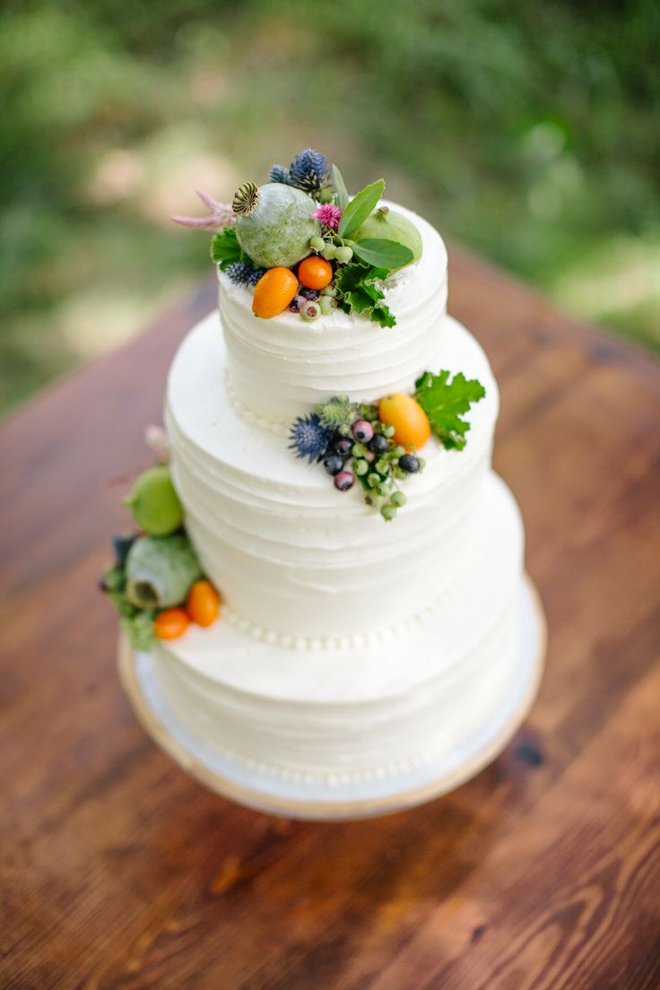 Coco wedding venues slideshow - coco-wedding-venues-10-rustic-wedding-cakes-image-by-sarah-jayne-photography-cake-by-topsfield-bakeshop-via-style-me-pretty-5