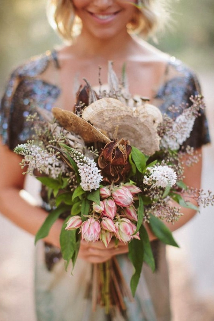 Coco wedding venues slideshow - coco-wedding-venues-bohemian-bridal-bouquets-image-by-laura-goldenberger-photography-flowers-by-clementine-floralworks-via-100-layer-cake-44