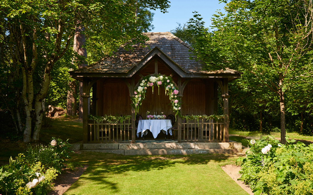 Coco wedding venues slideshow - country-house-wedding-venues-in-devon-bovey-castle-will-dolphin-005
