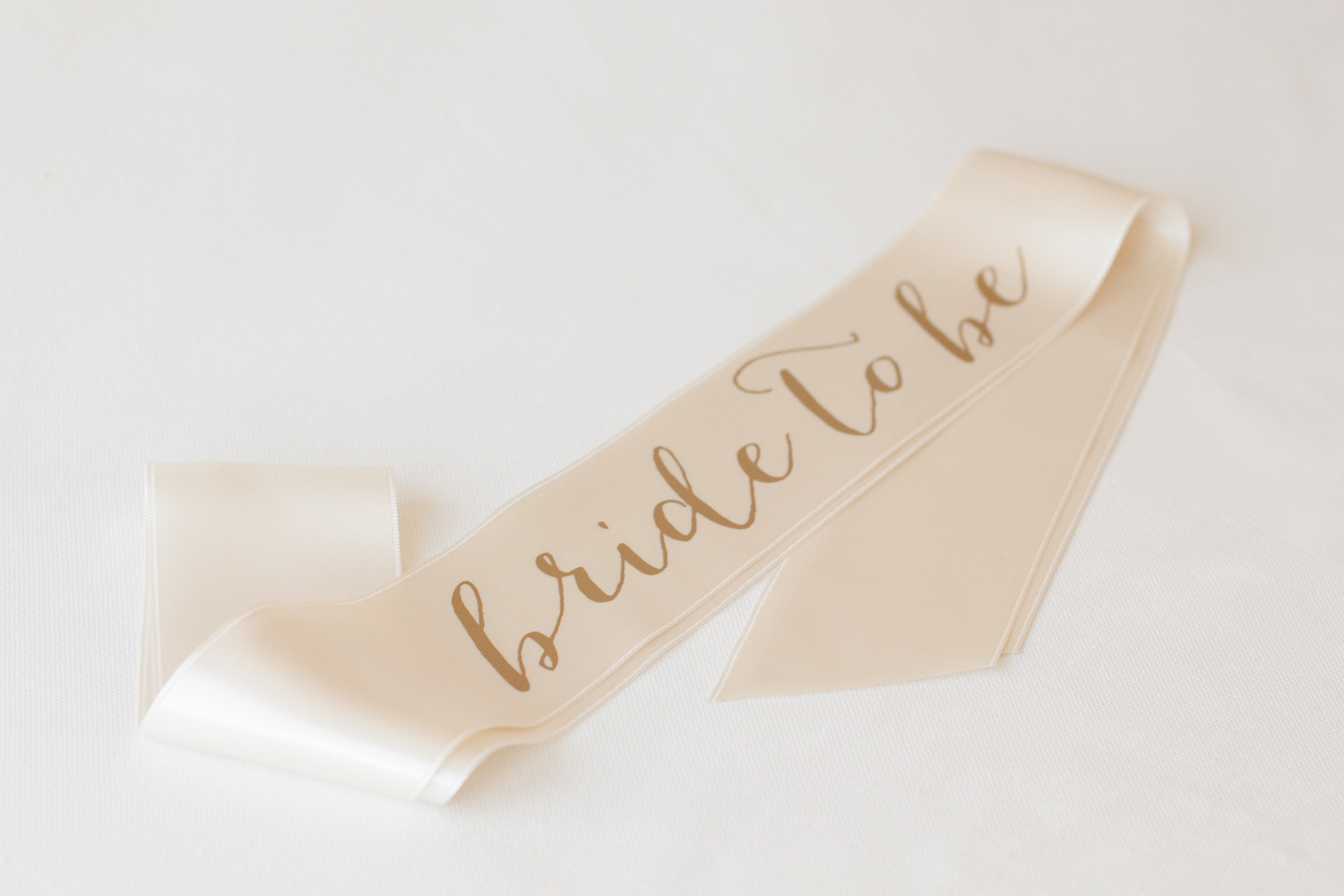 hen-party-bridal-sash-henbox-coco-wedding-venues