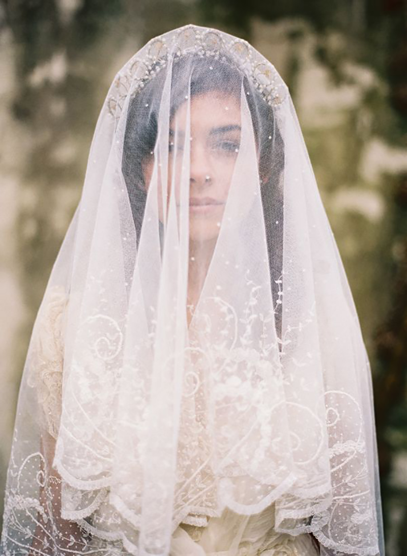 Coco wedding venues slideshow - bridal-veil-inspiration-coco-wedding-venues-tec-petaja-via-once-wed-1