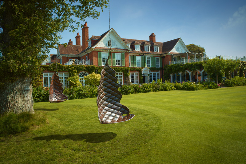 Wedding venues in hampshire south east chewton glen for Small country hotels