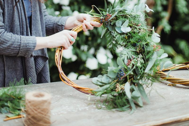 christmas-wreath-diy-flowers-by-breige-sandon-hall-wedding-venue-coco-wedding-venues-jade-osborne-photography-33