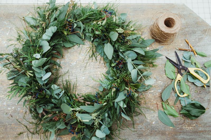 christmas-wreath-diy-flowers-by-breige-sandon-hall-wedding-venue-coco-wedding-venues-jade-osborne-photography-34