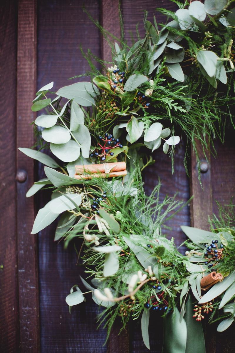 christmas-wreath-diy-flowers-by-breige-sandon-hall-wedding-venue-coco-wedding-venues-jade-osborne-photography-62