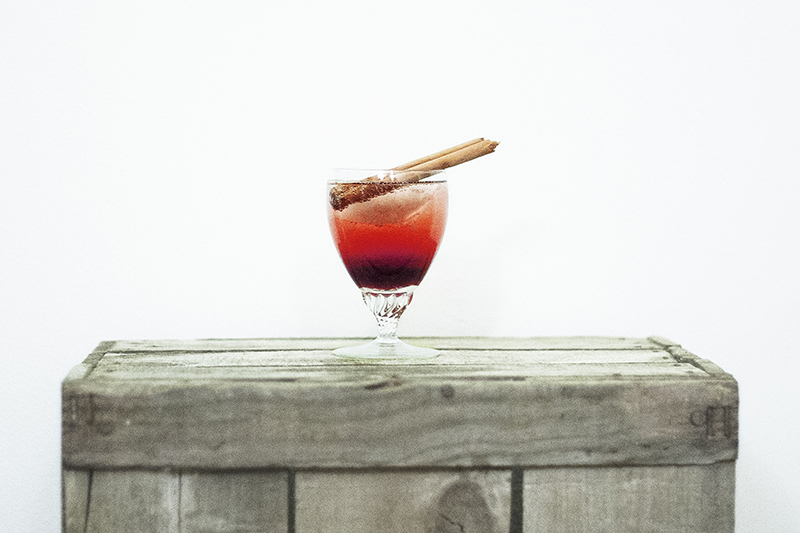wedding-cocktail-sloe-apple-the-travelling-gin-co-feature
