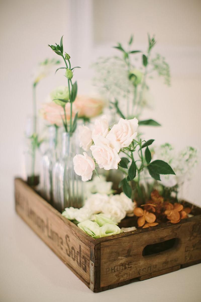 10 floral centrepieces uk wedding venues directory for Wedding reception centrepieces