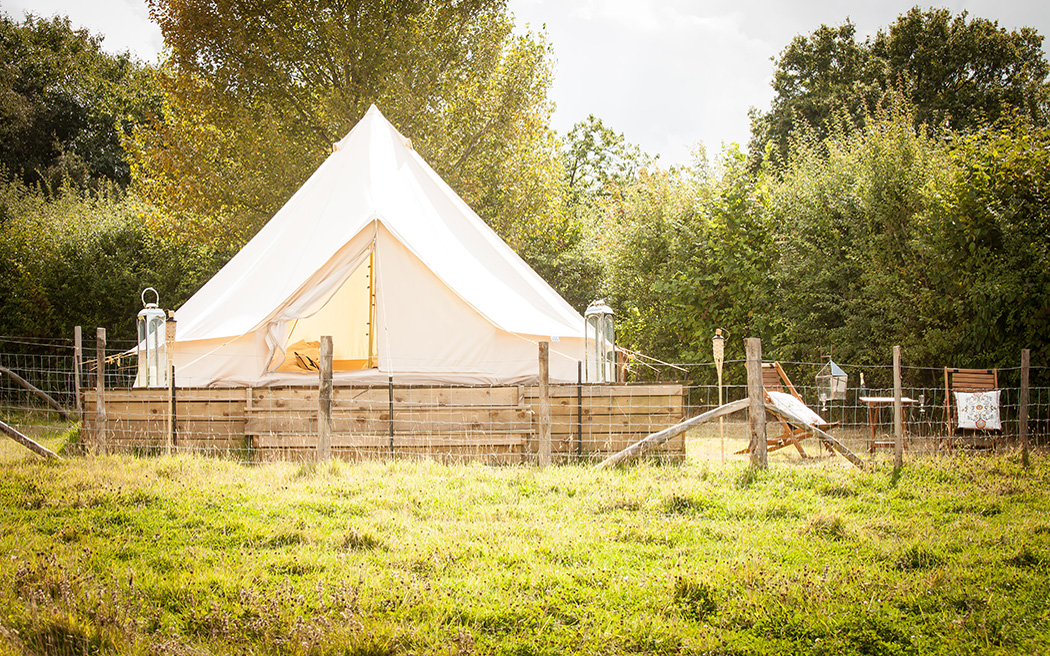 Coco wedding venues slideshow - east-sussex-wedding-venue-swallowtail-hill-marquee-wedding-venue-glamping-coco-wedding-venues