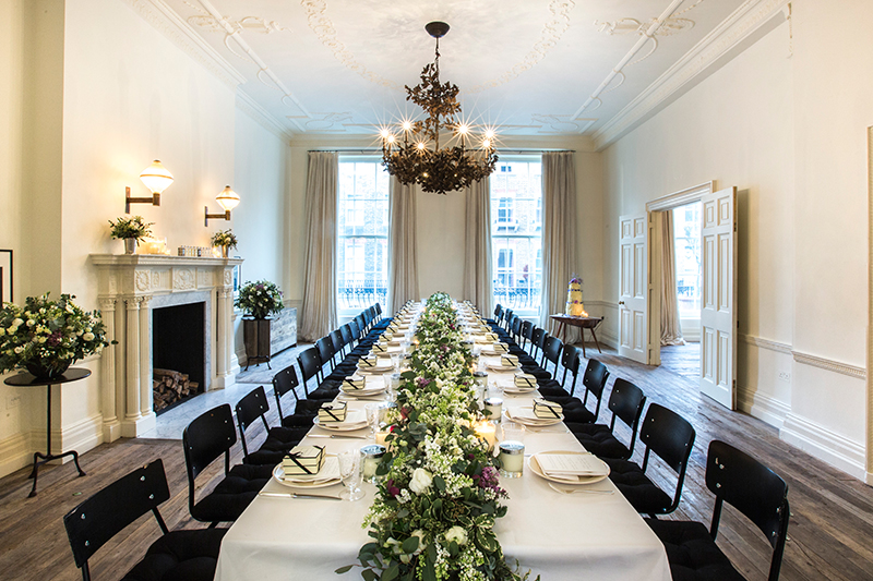 jo-malone-london-scented-wedding-afternoon-tea-and-the-new-bespoke-lace-bottle-collection-feature-new