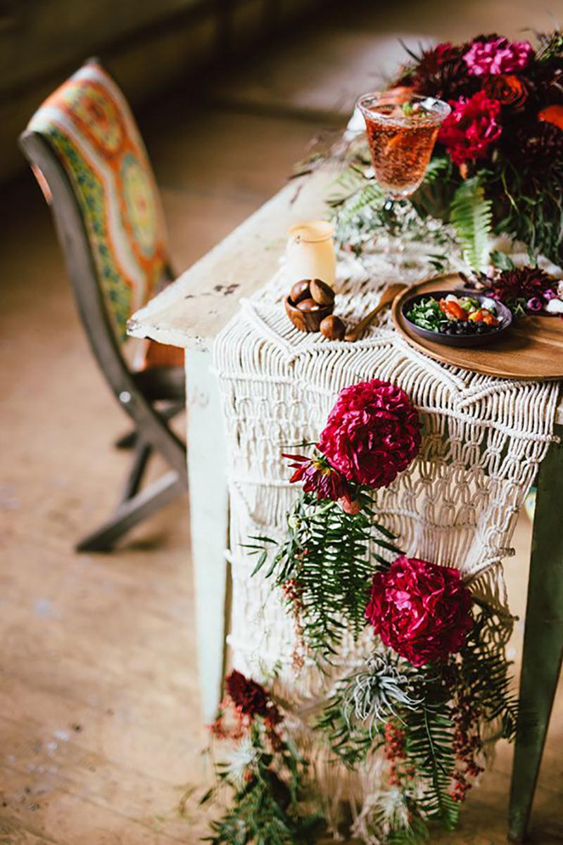 10 delicious bohemian wedding decor details uk wedding venues coco wedding venues slideshow bohemia wedding decor details coco wedding junglespirit Gallery