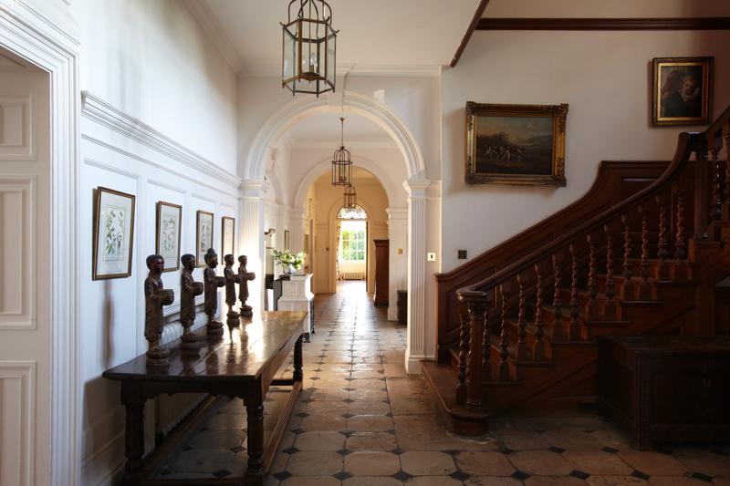 oxfordshire-wedding-venue-poundon-house-coco-wedding-venues-dylan-thomas-photography-1