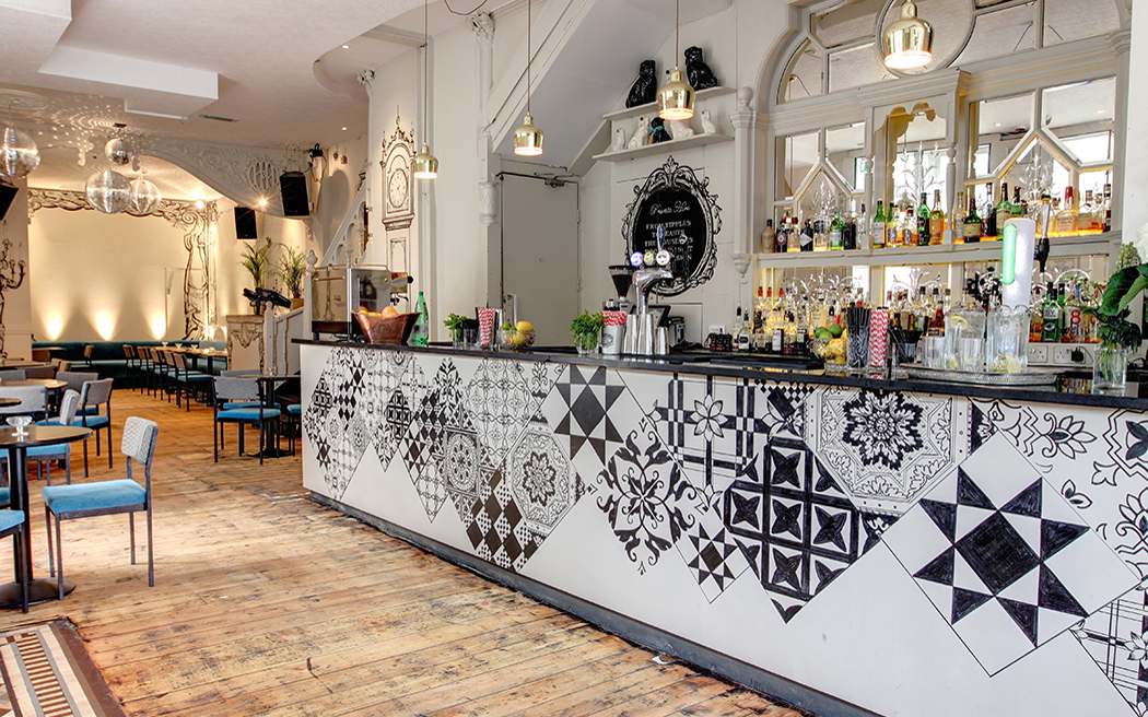 Coco wedding venues slideshow - wedding-venues-in-london-the-dolls-house-islington-003