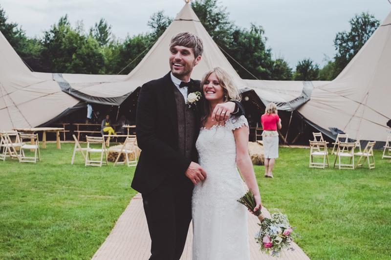 Coco wedding venues slideshow - midlands-wedding-tipi-hire-sami-tipi-coco-wedding-venues-eliza-boo-photography-d