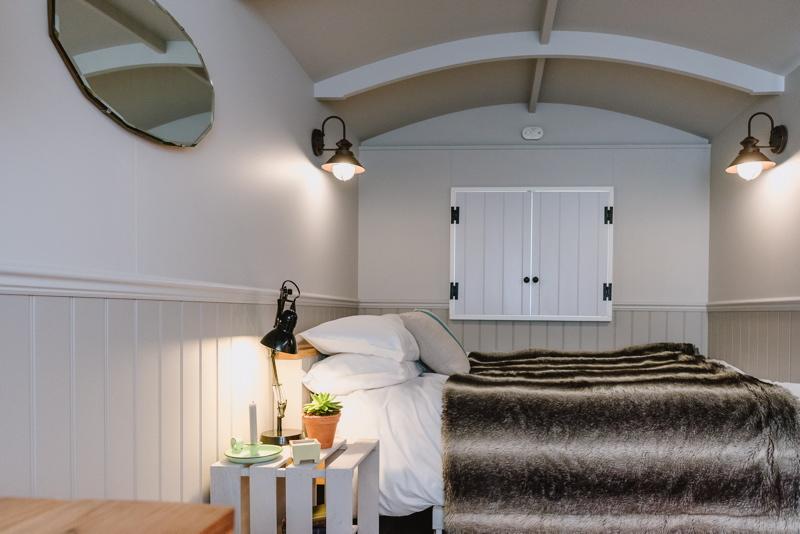 wedding-accommodation-glamping-shepherds-hut-norfolk-godwick-hall-16