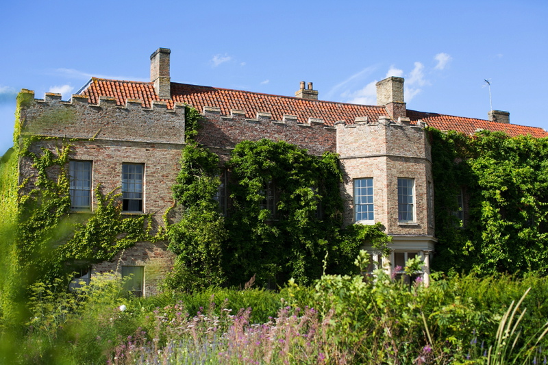 wedding-venues-in-norfolk-narborough-hall-gardens-58