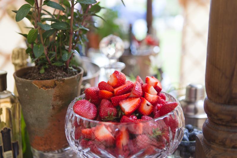 wedding-yurt-alternative-bar-ideas-ilaria-petrucci-10