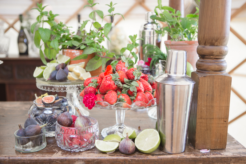wedding-yurt-alternative-bar-ideas-ilaria-petrucci-4