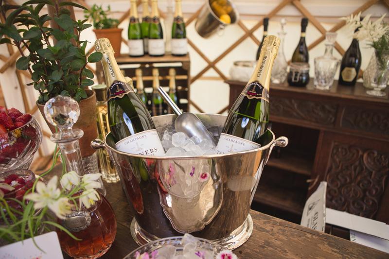 wedding-yurt-alternative-bar-ideas-ilaria-petrucci-7