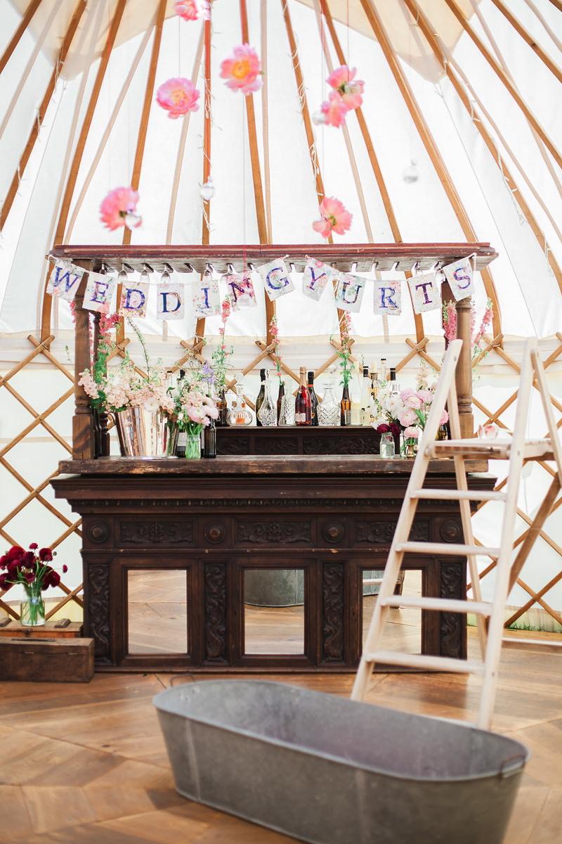 wedding-yurt-alternative-bar-ideas-xander-and-thea-fine-art-wedding-photography-2