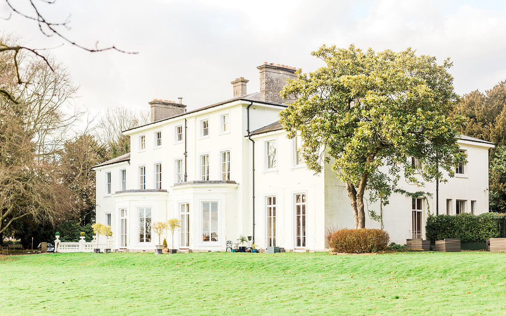 Coco wedding venues slideshow - country-house-wedding-venues-in-hampshire-penton-park-gyan-gurung-photography-002