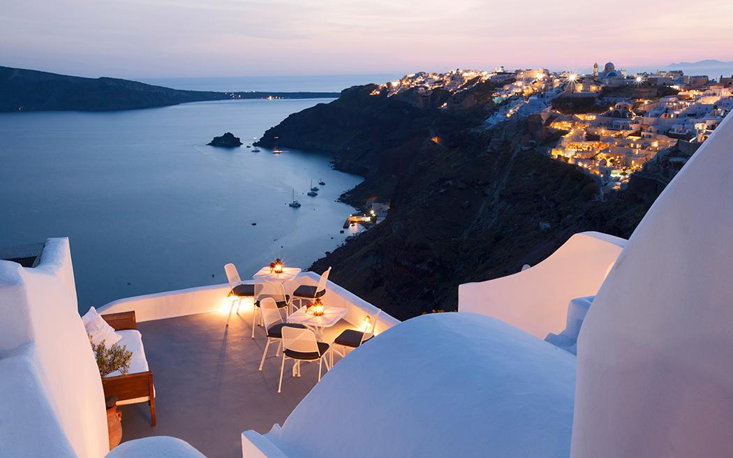 Coco wedding venues slideshow - destination-wedding-venues-santorini-greece-ikies-traditional-houses-002