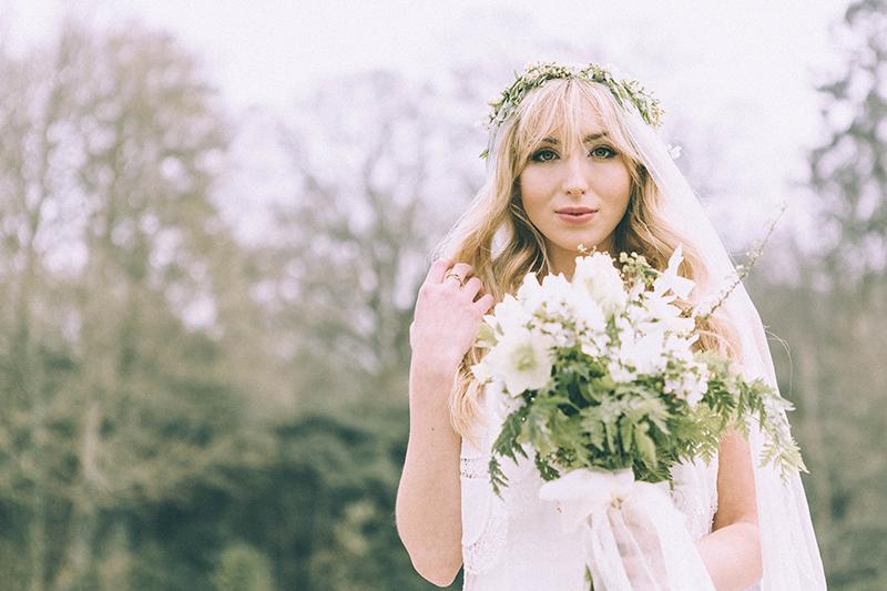 spring-wedding-offer-narborough-hall-gardens-norfolk