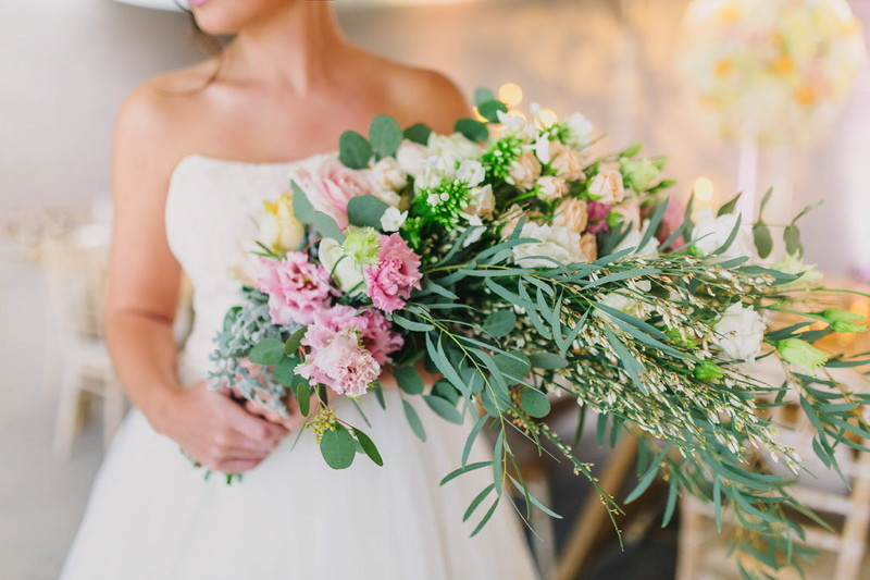 wedding-venues-in-dorset-rustic-styled-shoot-axnoller-14