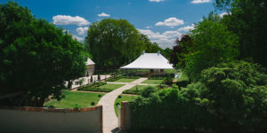 wedding-venues-in-essex-houchins-wedding-venue-with-accommodation-0030