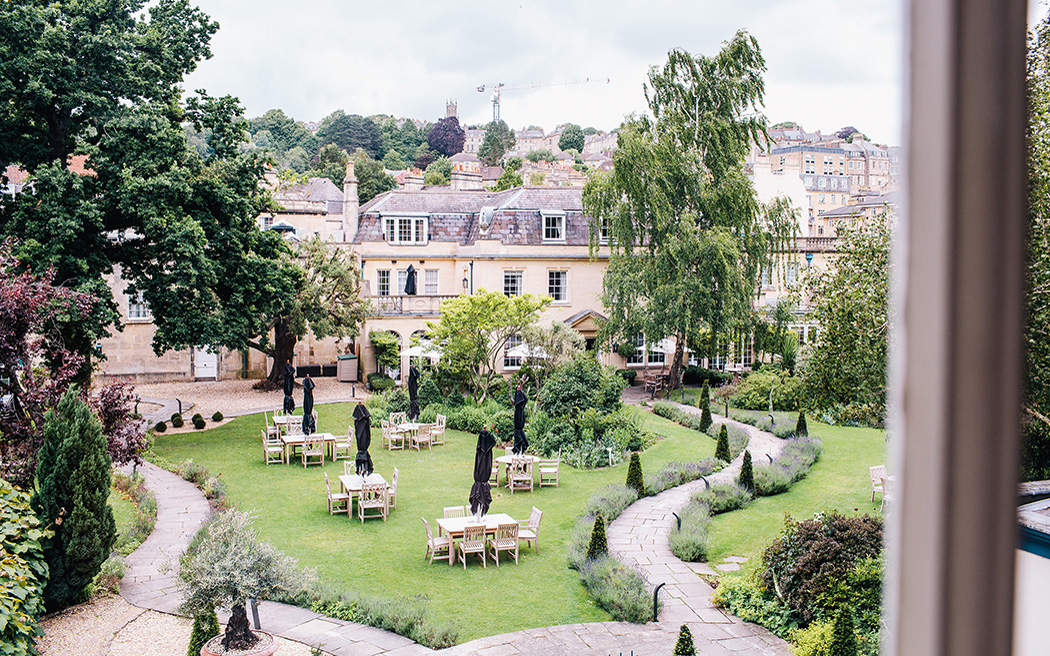 Coco wedding venues slideshow - luxury-wedding-venues-in-bath-the-royal-crescent-hotel-and-spa-0003