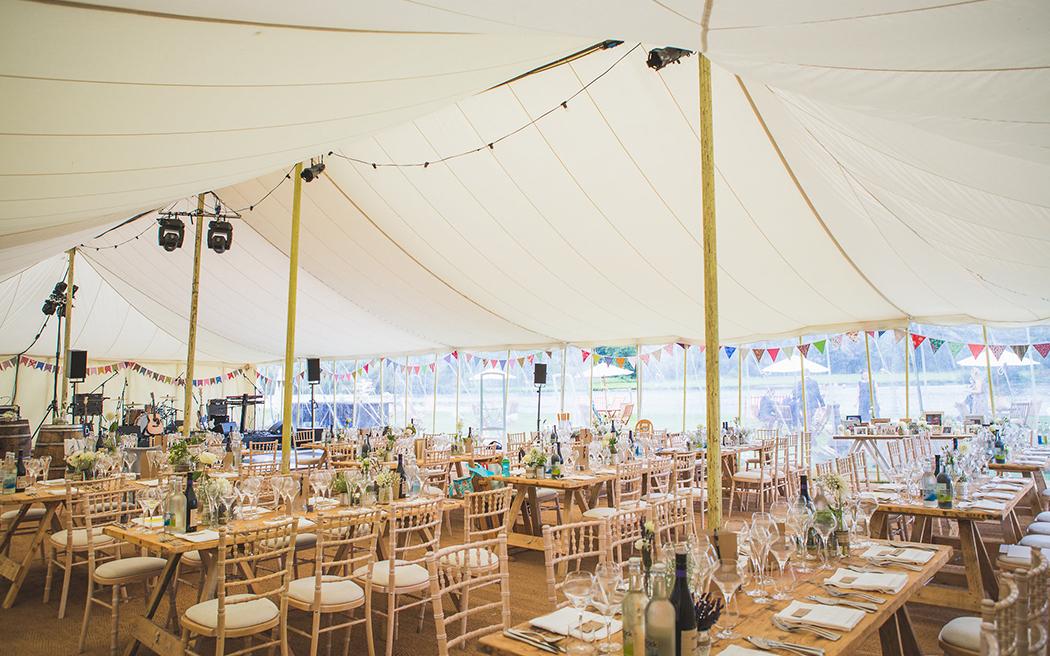 Coco wedding venues slideshow - marquee-wedding-venues-in-oxfordshire-temple-island-meadows-emma-watts-photography-003