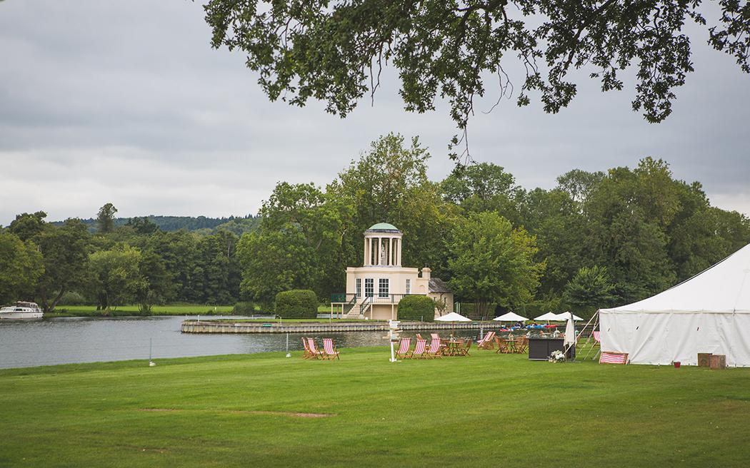 Coco wedding venues slideshow - marquee-wedding-venues-in-oxfordshire-temple-island-meadows-emma-watts-photography-007