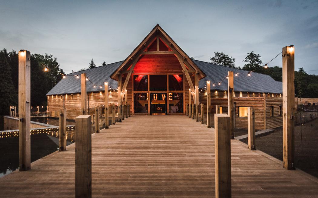 Coco wedding venues slideshow - modern-barn-wedding-venues-in-shropshire-the-mill-barns-001