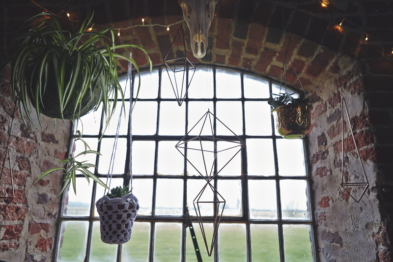wedding-styling-at-godwick-great-barn-faye-amare-photography-13