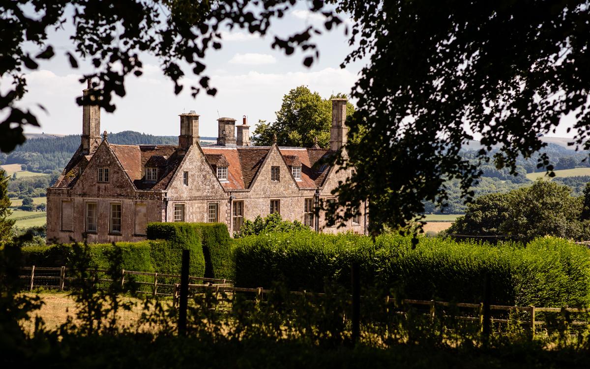 Coco wedding venues slideshow - Marquee Wedding Venue in Wiltshire - Hatch House