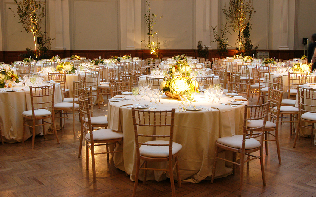 Coco wedding venues slideshow - blank-canvas-wedding-venues-in-london-royal-horticultural-halls-the-lindley-hall-003