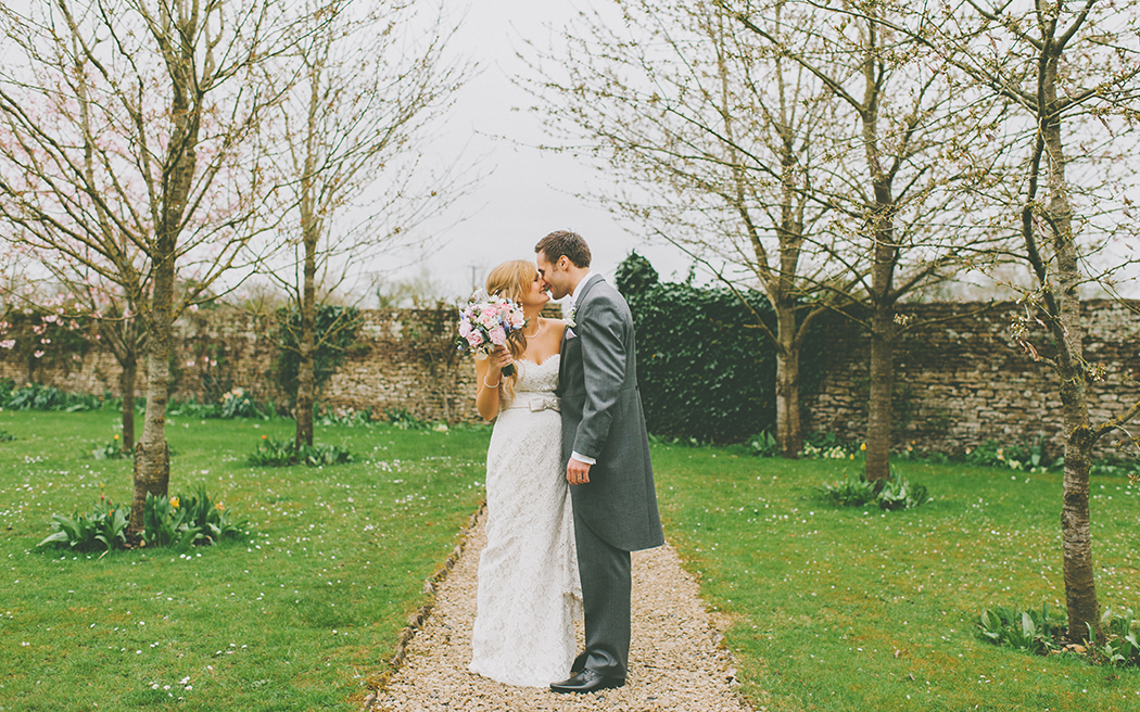 Coco wedding venues slideshow - country-house-wedding-venues-in-wiltshire-stanton-manor-jamie-waters-photography-002
