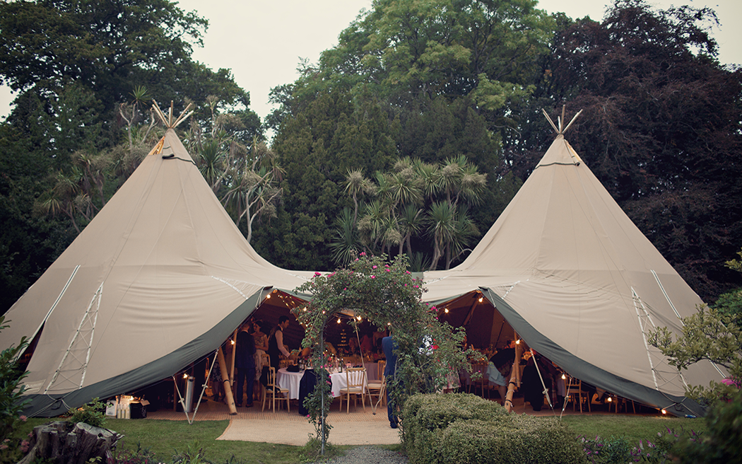 Coco wedding venues slideshow - wedding-marquee-and-tipi-hire-all-about-me-marquees-and-events-001