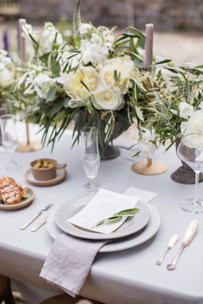 The 2017 Wedding Trend Report - Minimalist Luxe.