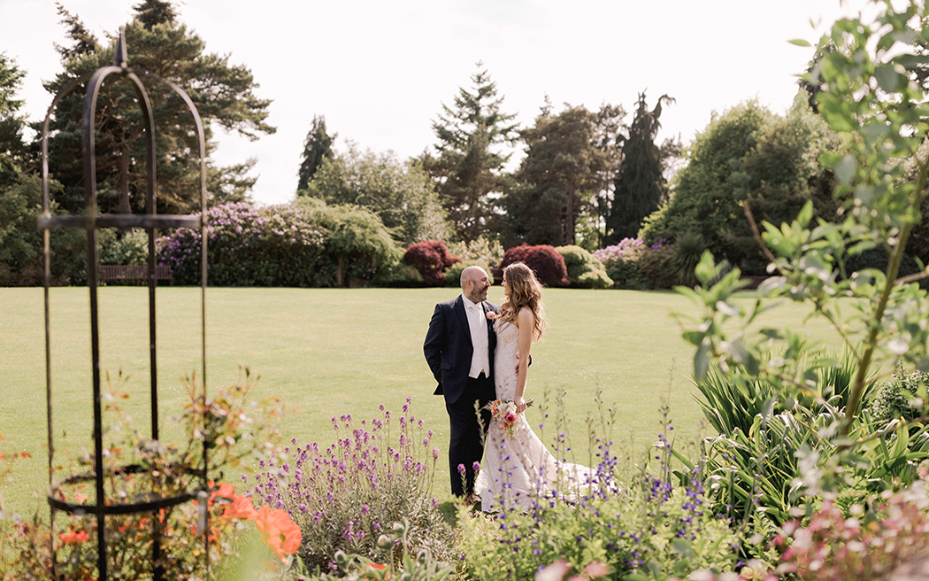 Coco wedding venues slideshow - country-house-wedding-venues-in-surrey-barnett-hill-004