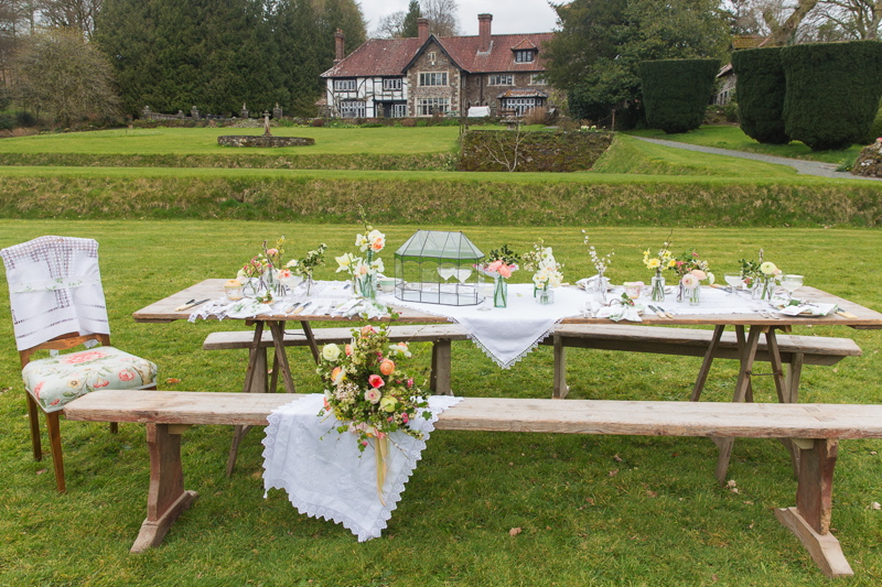 A Coombe Trenchard English Garden Party With Blue Fizz Events