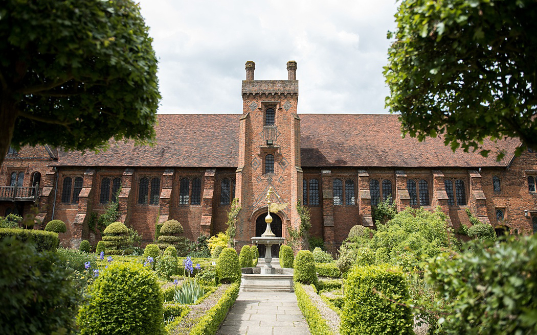 Coco wedding venues slideshow - wedding-venues-in-hertfordshire-hatfield-house-fiona-kelly-photography-001